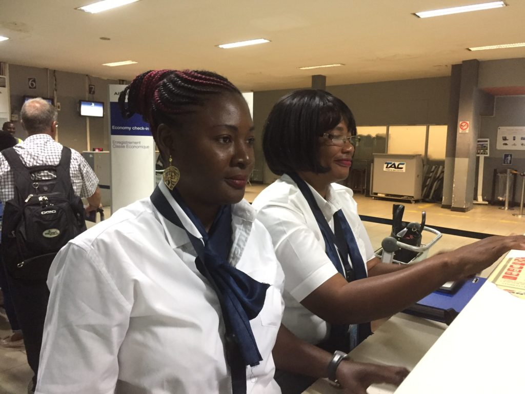 Equipe Ancile Congo à Pointe-Noire / Contrôle documentaire